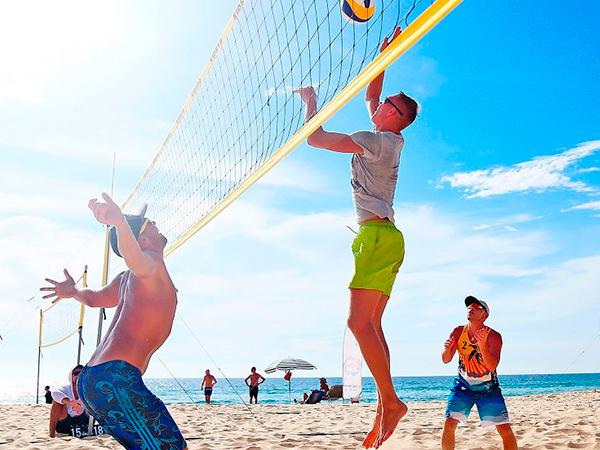 Тренировки по пляжному волейболу
